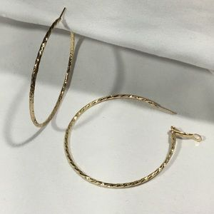 Twisted Large Gold Tone Hoops (UC3)